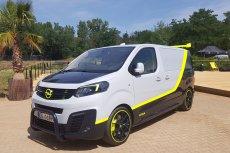 Opel Zafira w usportowionej wersji ma atrakcyjne malowanie ze wstawkami fluo.