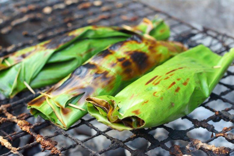 [url=http://shutr.bz/1mQ1SJt] Słodki ryż grillowany w liściach bananowca [/url]