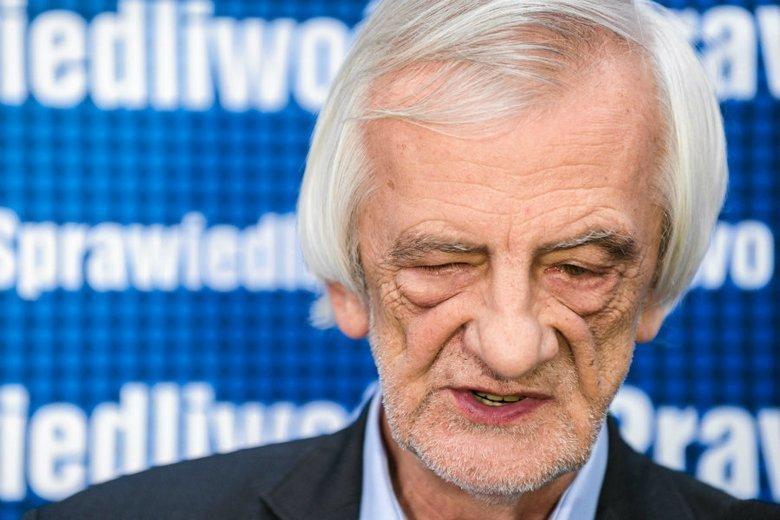 """Ryszard Terlecki przyznał, że nie oglądał filmu """"Tylko nie mów nikomu"""", ale wspomniał o """"ataku na Kościół""""."""