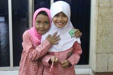 Dziewczynki spotkane w meczecie.