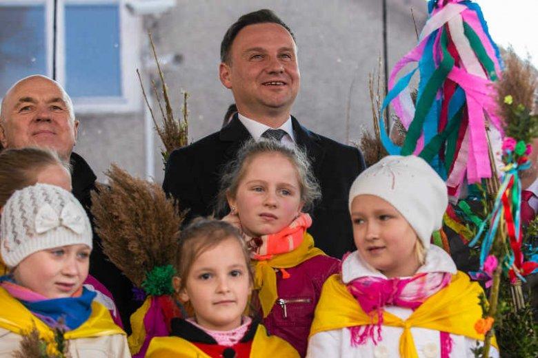 Wizerunek Andrzej Dudy nie jest tak dobry, jak to kreuje jego sztab.
