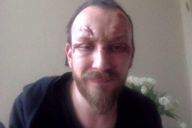 Dramaturg Paweł Demirski został pobity przez kiboli, bo stanął w obronie obrażanego Pakistańczyka.