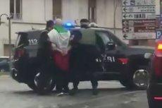 Kadr z zatrzymania jednego z domniemanych sprawców.
