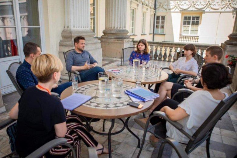 Rafał Trzaskowski spotkał się z młodymi aktywistami w Ratuszu