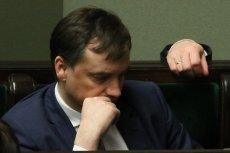 Prawie połowa respondentów uważa, że Zbigniew Ziobro powinien przeprosić byłego zastępcę szefa KNF, Wojciecha Kwaśniaka.