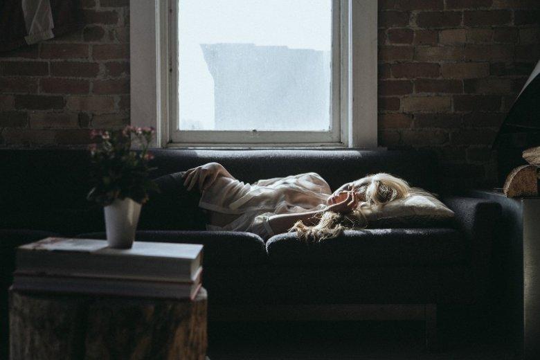 Problemy ze wstawaniem rano może mieć każdy. Ale gdy towarzyszą im inne symptomy, może to być oznaka depresji. Czym jest dysania?