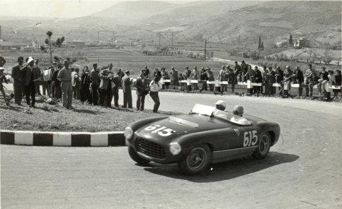 Dominacja Ferrari w Mille Miglia, Targa Florio i innych wyścigach lat 50-tych przyczyniła się do rezygnacji Maserati z dalszych startów