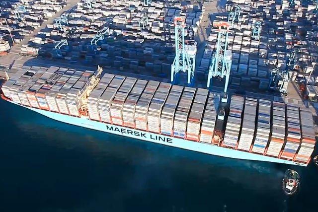 Statek Mary Maersk zabrał na pokład  kontenery o łącznej pojemności 17 603 TEU