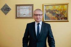 Poseł Pięta chce, by dzieci odbierane Polakom za granicą trafiały z powrotem do nich lub do polskich rodzin zastępczych.