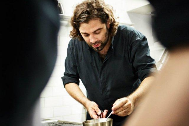 Konstantin Filippou w kuchni stawia na oryginalne połączenia - jego restauracja serwuje kuchnię wiedeńską ze śródziemnomorskim sznytem