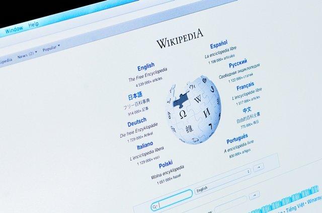 Wikipedia walczy z hejterami