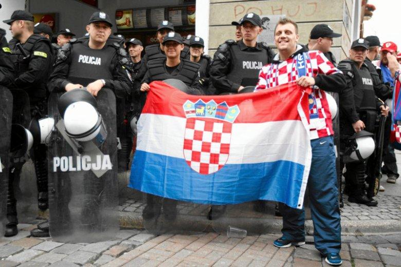 W trakcie Euro 2012 w Poznaniu gościli m.in. kibice z Chorwacji. Wtedy taka pomoc policjantom z pewnościąby się przydała.