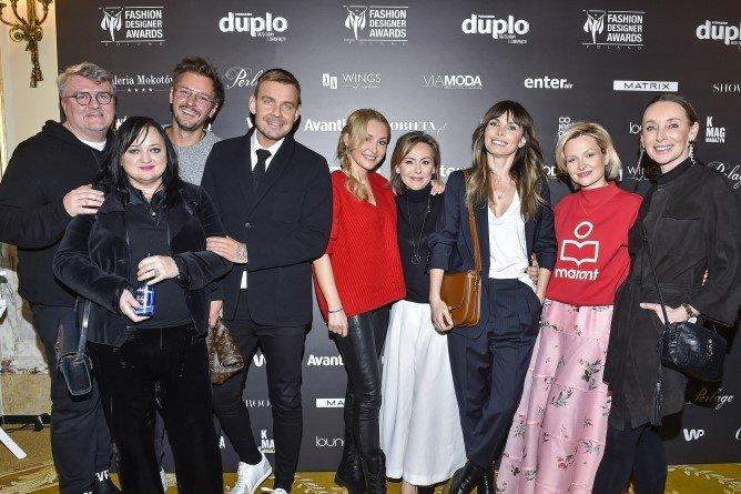 Od lewej: Rafal Michalak, Gosia Baczyńska Mikołaj Komar, Dawid Woliński, Dorota Weka, Joanna Sokołowska-Pronobis, Agnieszka Dygant, Marieta Żukowska i Dorota Williams