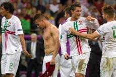 Portugalczycy grają bardziej zespołowo, zespołowo się też cieszą po udanym meczu.