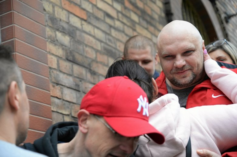 Arkadiusz Kraska tuż po wyjściu z więzienia.