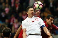 Robert Lewandowski podczas meczu eliminacyjnego do Mistrzostw Swiata.
