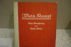 "Co dalej z ""Mein Kampf"" Adolfa Hitlera?"