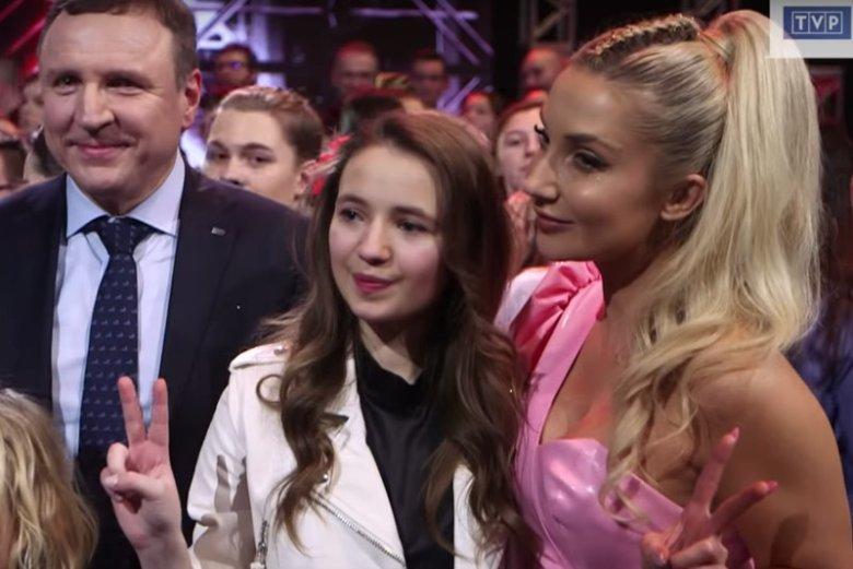 Ania Dąbrowska reprezentowała w programie drużynę Cleo. Na finale The Voice Kids pojawił się prezes TVP Jacek Kurski.