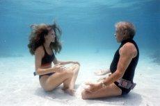 """""""Człowiek delfin"""" to film dokumentalny poświęcony guru nurków -  Jacquesowi Mayolowi. Freediving jest również uprawiany przez Polaków"""