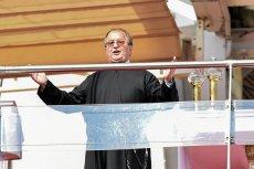 Ojciec Tadeusz Rydzyk przyciąga do siebie wiernych, ale z katolicyzmem ma coraz mniej wspólnego.