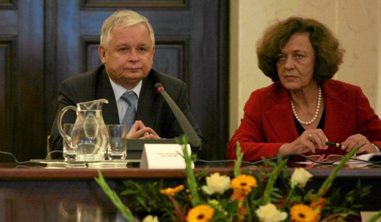 2009 rok, Warszawa. Prezydent Lech Kaczyński i minister Ewa Junczyk-Ziomecka.