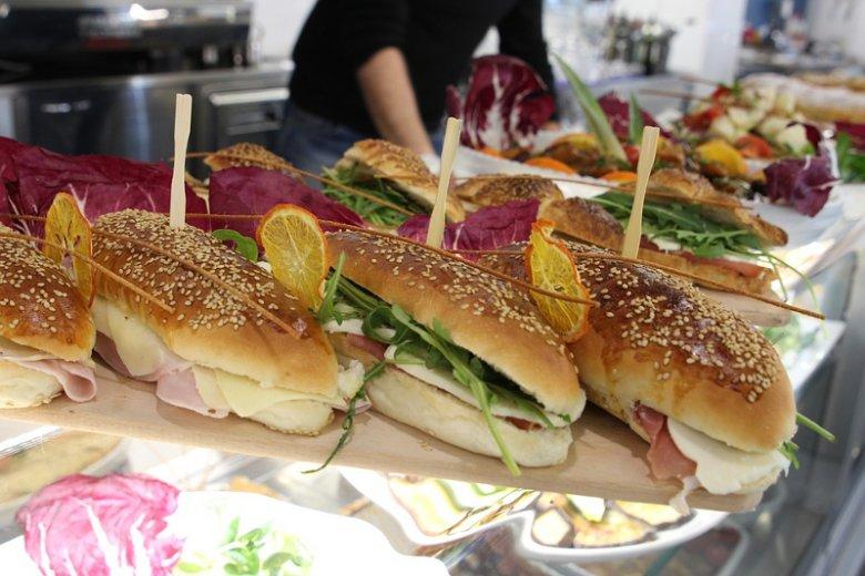 Wielu piekarniom grozi bankructwo. Niemieccy piekarze przekształcają więc swoje zakłady w lokale serwujące gotowe posiłki