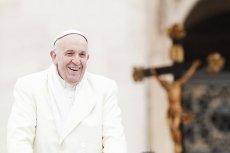 Jeśli Walentynki w Rzymie, to tylko z... papieżem Franciszkiem.