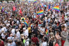 Narodowcy organizują w Warszawie marsz różańcowy, by przeprosić Boga za parady równości.