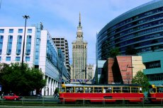 Proces uchwalania planów miejscowych w Warszawie ciągnie się wyjątkowo długo. W rezultacie miasto rozwija się niespójnie i bez wizji