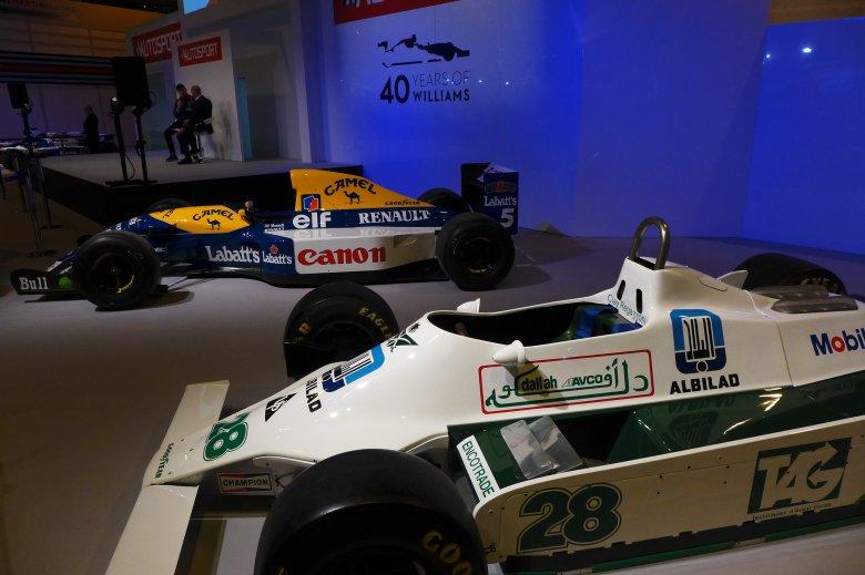 Czterdziestolecie Williamsa to jeden z tematów przewodnich tegorocznych targów. Auto stojące bliżej nosi nadal reklamę rodzinnej firmy budowlanej Bin Ladenów...