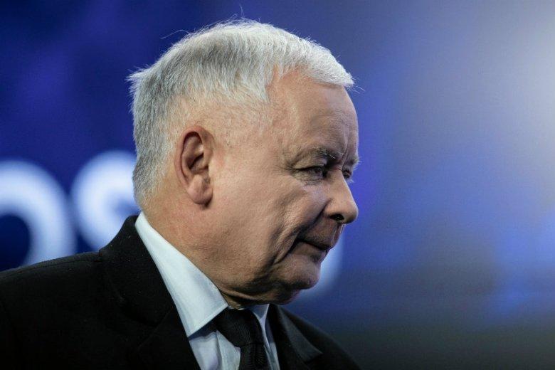 Jarosław Kaczyński może mieć powody do radości. Jeśli wierzy w sondaże przeprowadzane dla prawicowych portali.