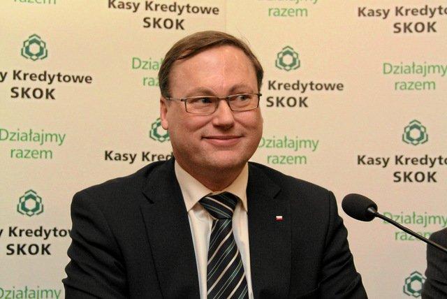 Prywatny portfel twórcy pozycji SKOK-ów w Polsce ma się znacznie lepiej niz finanse tych instytucji.
