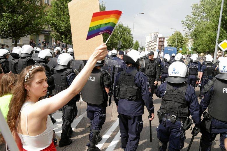Do zamieszek doszło w sobotę podczas Marszu Równości w Białymstoku.