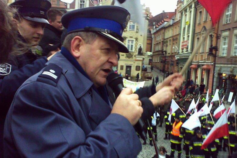 Policjant ostro o działalności PiS i ministra Mariusza Błaszczaka