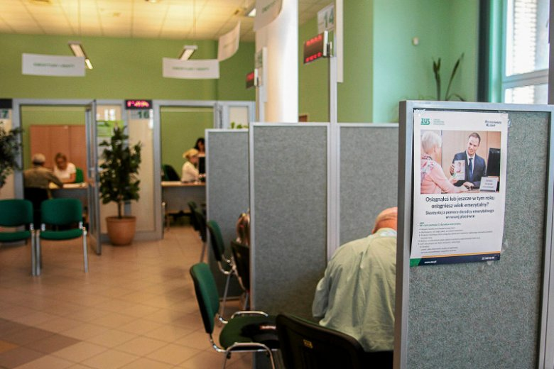 ZUS może w każdej chwili skontrolować osobę przebywającą na chorobowym.