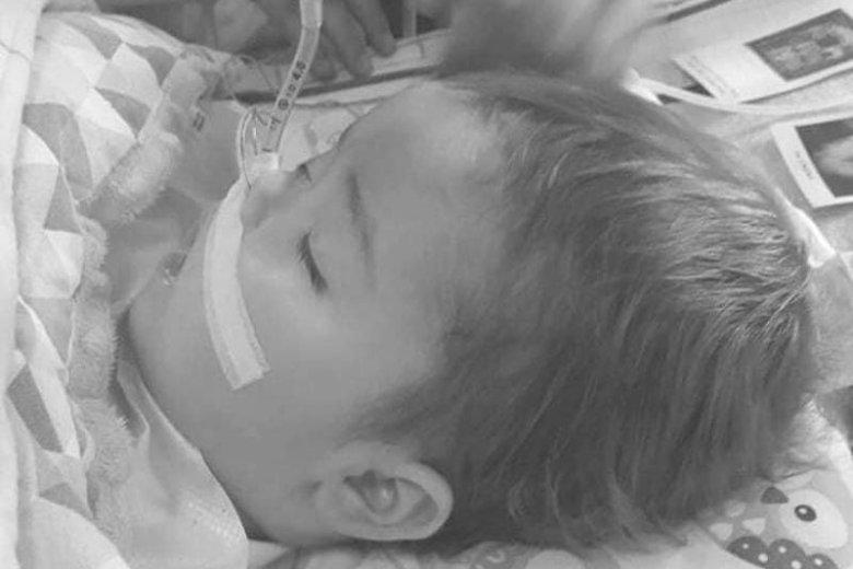11-miesięczny Szymon został odłączony przez lekarzy od aparatury.