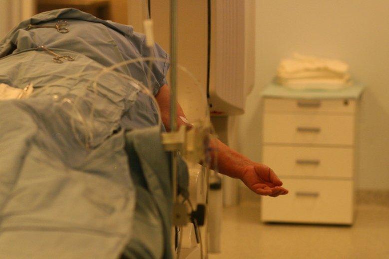 Mężczyzna oskarża szpital o brak szybkiej reakcji