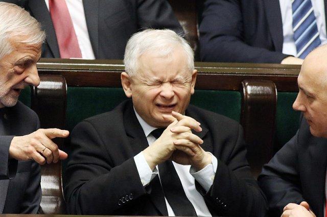 Prezes PiS Jarosław Kaczyński może zostać mocno zaskoczony odpowiedzią UE na jego politykę.