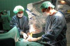 """""""Wyobraża pan sobie sytuację, gdy ledwie słaniający się na nogach chirurg musi przeprowadzić operację?""""."""