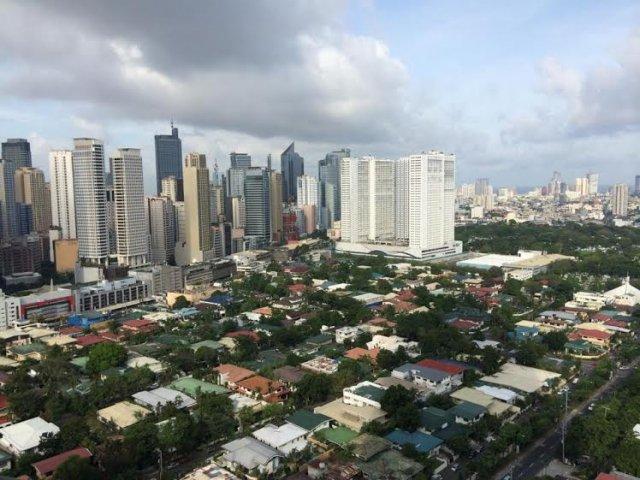 """A może praca w korporacji, tylko na Filipinach? Zobacz czym żyje """"mordor"""" w Manili"""