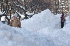 Zima zaatakowała Polskę. Rządowe Centrum Bezpieczeństwa ostrzega przez mrozami, tylko wczoraj z wychłodzenia zmarły 4 osoby. (zdjęcie poglądowe).