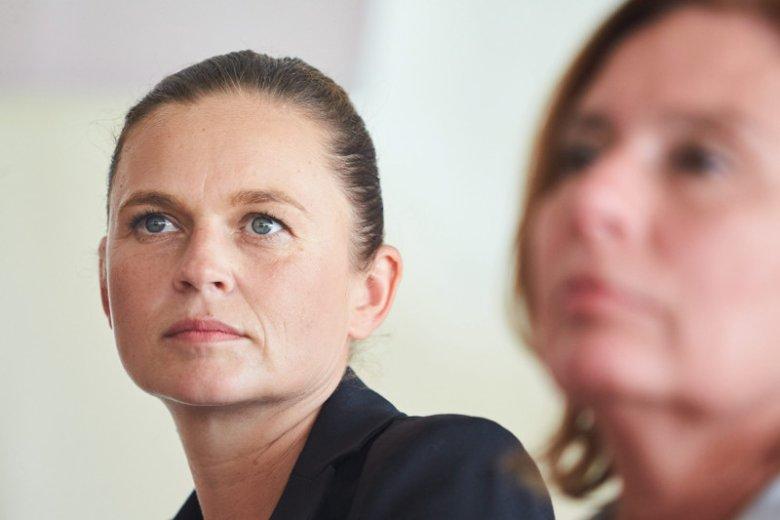 W przeddzień kolejnej miesięcznicy smoleńskiej głos zabrała córka jednej z ofiar katastrofy smoleńskiej Barbara Nowacka. Ujawniła też obłudę radnych PiS.