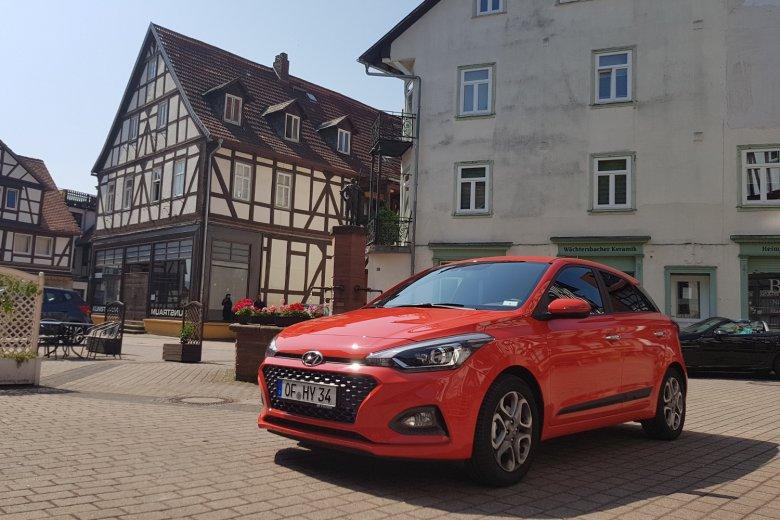 Zaktualizowano Hyundai i20. Jak jeździ miejski koreański hatchback | naTemat.pl NX73
