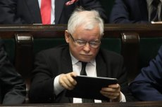 Jarosław Kaczyński i PiS ma coraz większe problemy z suwerenem.