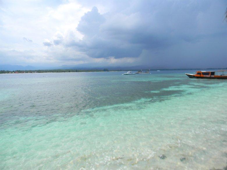 Niesamowite kolory morza i nadchodzącej burzy.