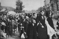 Polacy traktowali Żydów tak samo jak Niemcy? Tak w Izraelu komentują dokument Departamentu Stanu USA z 1946 roku.
