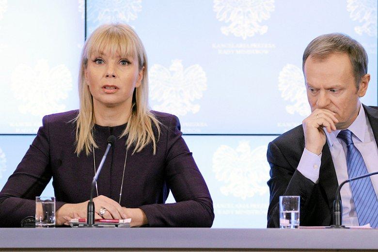 """""""Der Spiegel"""" przypomina, że komisarz Elżbieta Bieńkowska to bliska współpracowniczka obecnego szefa Rady Europejskiej Donalda Tuska."""