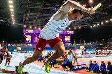 Sztafeta Polaków pobiła w Birmingham halowy rekord świata w biegu 4X400 metrów.