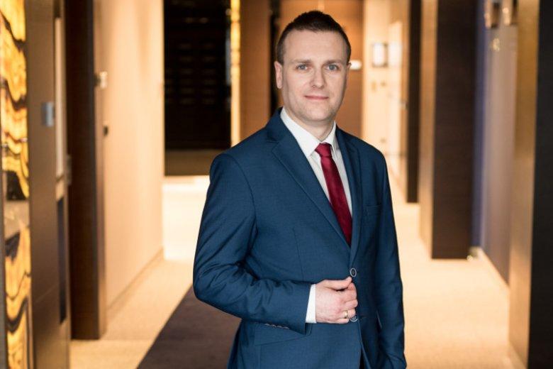 """Grzegorz Ksepko, wiceprezes Zarządu ds. Korporacyjnych Energi, w przeszłości nawoływał do """"czczenia złotego cielca""""."""