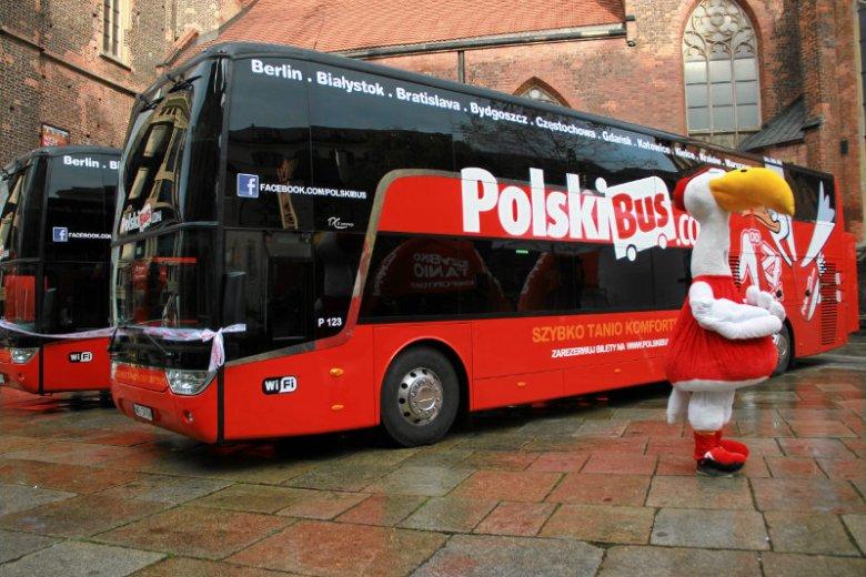 """W mediach pojawia sięsporo informacji o problemach pasażerów Polskiego Busa. Ale czy można je nazwać """"nagonką""""?"""